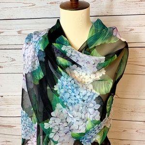 NWT DOLCE & GABBANA Silk Blue Hydrangea Scarf Wrap